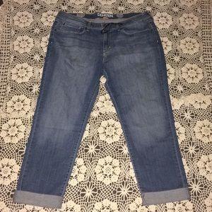 Levi's Crop Jeans NWT Size 16 !